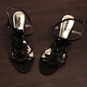 Black floral detail strappy heels!  Size 8!